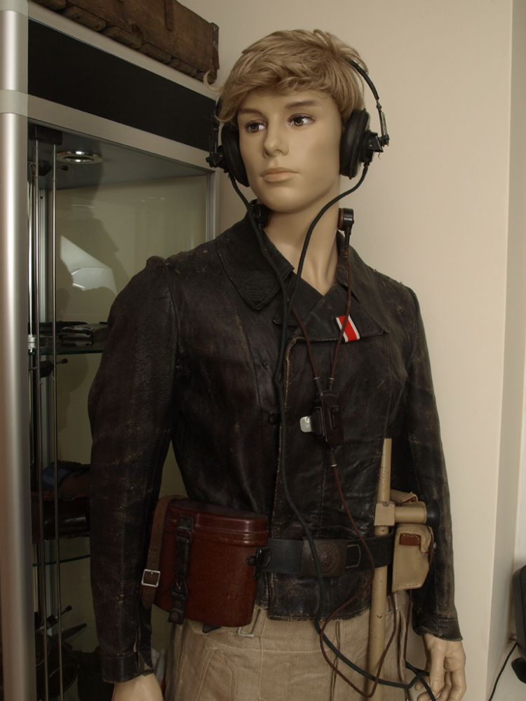 Realistic full-body mannequin