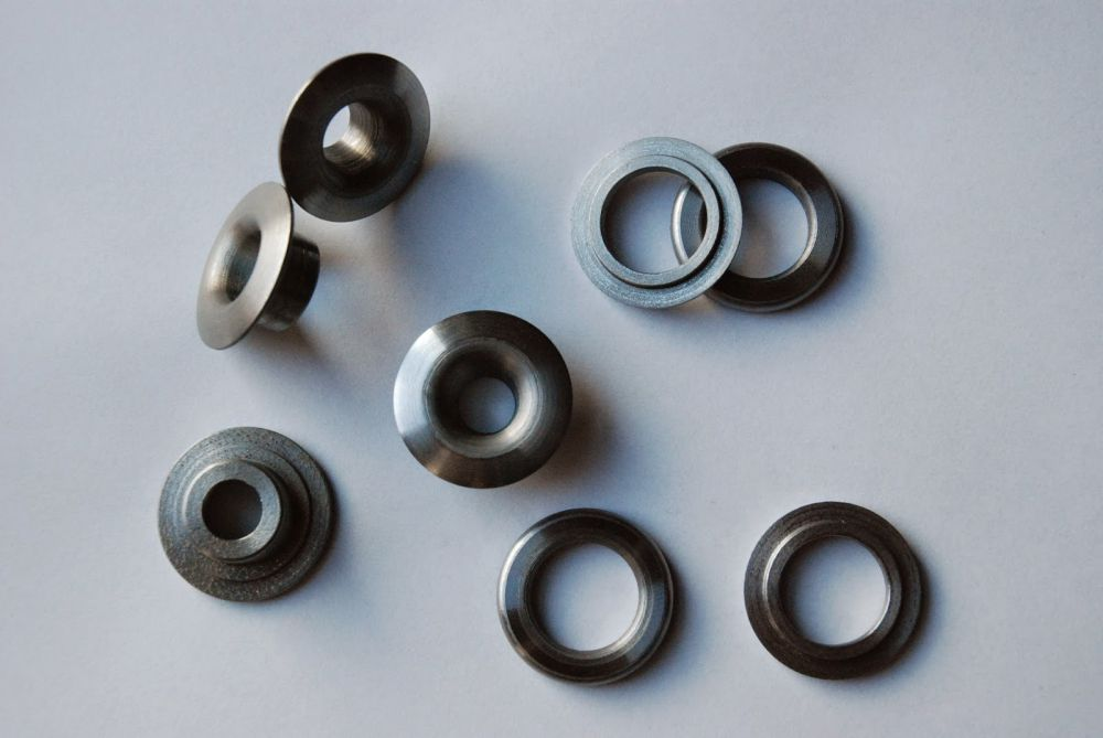 Protection of valve springs